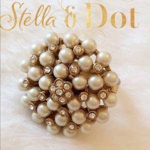 Stella & Dot Vintage Pearl Cluster Ring